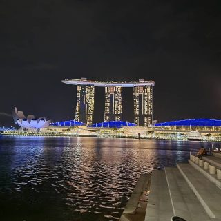 A view of the Marina Bay Sands from the Merlioj Park, taken few days ago when we went out.  Starting tomorrow Singapore is going into a mini lockdown of sorts due to rise in cases in the community. While it is not an easy thing to do, it is the need of the hour for us here.   Wherever you folks are, please stay safe and exercise safety measures/precautions at all times.   Wear a mask if you have to step out, maintain safe distancing at all times and wash your hands frequently.   Take care everyone!