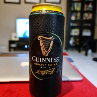 Was tired of the lager and pints. Tried this dark beer tonight and fell in love with it.   Definitely recommend!   Hope your weekend is good.   #guinness  #darkbeer #stout